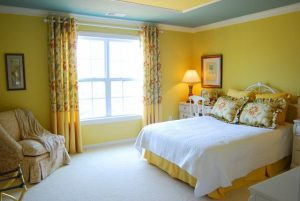 yellow wall paint combinations